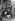 Blocus de Berlin (1948-1949). Louise Schroeder (1887-1957), femme politique allemande, remerciant les pilotes de RAF (Royal Air Force) à l'aéroport de Gatow. Berlin, 17 décembre 1948. © Ullstein Bild / Roger-Viollet