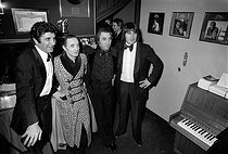 Gilbert Bécaud, Charles Aznavour, Georges Garvarentz and Serge Lama. Gala at the Olympia. Paris, on January 6, 1976. © Patrick Ullmann / Roger-Viollet