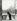 Hubert Givenchy (né en 1927). Robe du soir portée par Margaret Phillips. Photographie d'Henry Clarke (1918-1996). Galliera, musée de la Mode de la Ville de Paris. © Henry Clarke / Galliera / Roger-Viollet