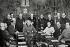 Francisco Franco (1892-1975), général et homme d'Etat espagnol, présidant la première réunion du nouveau gouvernement. Espagne, juillet 1939. © Iberfoto / Roger-Viollet