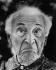 Marc Chagall (1887-1985), peintre français d'origine russe. Saint-Paul-de-Vence (Alpes-Maritimes), 1974. Photographie de Horst Tappe (1938-2005). © Fondation Horst Tappe / KEYSTONE Suisse / Roger-Viollet
