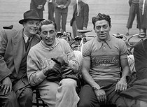 Fausto Coppi and Bergomi, Italian racing cyclists. © Roger-Viollet