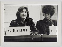 "Gisèle Halimi (1927-2020), Tunisian-born French lawyer, feminist activist and politician, and Angela Davis (born in 1949), American human rights activist, attending the international symposium ""Feminisms and Socialisms"" organized at UNESCO by ""Choisir"" in October 1983. Photograph by Catherine Deudon (born in 1940). Paris, Bibliothèque Marguerite Durand. © Catherine Deudon / Bibliothèque Marguerite Durand / Roger-Viollet"