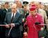 François Mitterrand (1916-1996), président de la République française, et la reine Elisabeth II (née en 1926), lors de l'inauguration du tunnel sous la Manche, 6 mai 1994. © TopFoto / Roger-Viollet