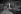 Machine à étaler le bitume sur les chaussées pavées. Paris, vers 1930.      © Albert Harlingue/Roger-Viollet
