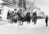 Troisième Reich. Annexion de l'Autriche. Entrée de la Wehrmacht en Autriche. Des soldats passant la frontière entre Kiefersfelden et Kufstein. 12 mars 1938. © Ullstein Bild / Roger-Viollet
