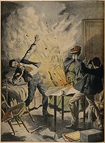 """Explosion of a bomb in the bedroom of a Russian nihilist in Paris. Engraving, """"Le Petit Journal"""", May 1907. © Roger-Viollet"""