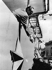 Printemps de Prague. Alexander Dubcek (1921-1992), homme politique tchécoslovaque, signant des autographes, mai 1968. © TopFoto / Roger-Viollet