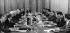 Visite de Kim Il Sung à Berlin (RDA). Discussion des délégation de la RDA et de la Corée du Nord, avec Erich Honecker (au milieu à gauche) et Kim Il Sung (au milieu à droite). 30 mai 1984. © Ullstein Bild / Roger-Viollet
