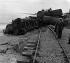 Accident ferroviaire dû à une tempête aux environs du village de Khalde (Liban), 22 novembre 1964. © TopFoto/Roger-Viollet