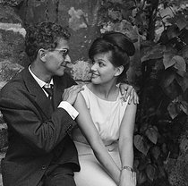"Shooting of ""Les lions sont lâchés"", film by Pierre Gaspard-Huit (1957), after the novel by Nicole (1955). Darry Cowl and Claudia Cardinale. France, on June 24, 1957. © Alain Adler / Roger-Viollet"