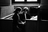 Gisèle Halimi (1927-2020), avocate, militante féministe et politique française d'origine tunisienne, lors d'un procès pour divorce. Paris, Palais de justice, années 1970. Photographie de Janine Niepce (1921-2007). © Janine Niepce / Roger-Viollet