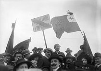 Trade unionists taking part in the demonstration against the Three-Year Service Law, extending the military conscription from 2 years to 3. Le Pré-Saint-Gervais (France), on March 16, 1913. © Maurice-Louis Branger / Roger-Viollet