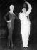 Salvador Dalí (1904-1989), artiste-peintre surréaliste, sculpteur espagnol et Ludmilla Tcherina (1924-2004), danseuse et actrice française. 15 juin 1961.  © Ullstein Bild / Roger-Viollet
