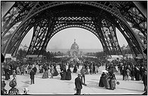 1889 World Fair in Paris. View towards the central dome of the Champ-de-Mars palace. © Neurdein frères / Neurdein / Roger-Viollet