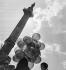 Fête foraine. Foire du Trône. Paris (XI et XIIe arr.), place de la Nation, vers 1935. © Gaston Paris / Roger-Viollet