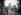 Enfants jouant dans le square de l'église Saint-Julien-le-Pauvre. Paris. © Albert Harlingue / Roger-Viollet