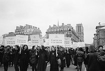 International Women's Day. In support to rape victims of the war in former Yugoslavia. Paris, 8th March 1993. © Janine Niepce/Roger-Viollet
