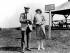 """John Davison Rockefeller (1839-1937), industriel américain et fondateur de la compagnie pétrolière """"Standard Oil"""" (connue plus tard sous le nom de """"Shell"""", puis d'""""ExxonMobil""""), et Marion Talley (1906-1983), soprano américaine, 1929. © Ullstein Bild / Roger-Viollet"""