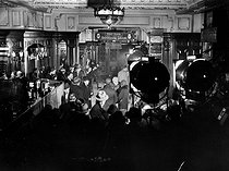 "Shooting of film of Alfred Hitchcock ""Blackmail"". London, March 1929. © Roger-Viollet"