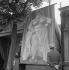 Fun fair : the biggest woman on Earth. © Gaston Paris / Roger-Viollet