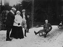 Richard Strauss (1864-1949), German composer and conductor, sledging. Schierke (Germany). © Roger-Viollet