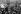 Guerre 1914-1918. Membres de la famille royale, soldats et civils fêtant la fin de la guerre devant le palais de Buckingham, après l'annonce de la signature de l'Armistice. Londres (Angleterre), 11 novembre 1918.  © PA Archive / Roger-Viollet