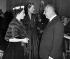 Christian Dior (1905-1957), couturier français et la princesse Margaret, au Blenheim Palace, propriété du duc et de la duchesse de Marlborough, lors de l'avant-première de la présentation de la collection d'hiver de Dior. November 1954. © TopFoto/Roger-Viollet