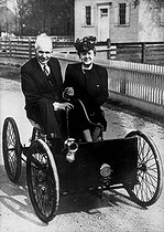"Henry Ford (1863-1947), American manufacturer, in his first car, the ""Quadricycle"" made in 1896. © Roger-Viollet"