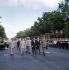 Le général De Gaulle, Georges Pompidou, Pierre Messmer et les responsables des armées passant les troupes en revue, le 14 juillet, à Paris, sur les Champs-Elysées. © Roger-Viollet