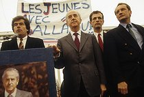 Edouard Balladur, Prime Minister and presidential candidate, with Gérard Longuet. Lorraine, on April 11, 1995. © Jean-Paul Guilloteau / Roger-Viollet