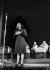 Edith Piaf (1915-1963), chanteuse française. Gala au Gaumont-Palace pour les familles des travailleurs français en Allemagne. Paris, août 1943. © LAPI / Roger-Viollet