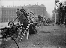 World War One. German airplanes at the place de la Concorde, wrecked by people celebrating the restoration of Alsace-Lorraine to France. Paris, on November 18, 1918. © Maurice-Louis Branger/Roger-Viollet