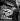 Boutique anglaise vendant des souvenirs du couronnement d'Elisabeth II. Avril 1953. © Roger-Viollet