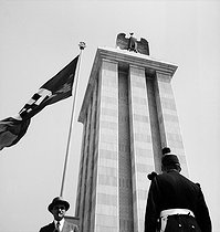 1937 World Fair in Paris. The pavilion of Germany and nazi flag. © Pierre Jahan/Roger-Viollet