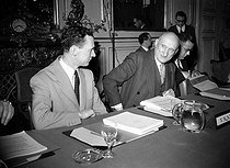 First meeting of the Council of Europe. Robert Schuman (1886-1963) and Maurice Couve de Murville (1907-1999), French politicians. Strasbourg (France), August 1949. © Roger-Viollet