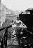 """Reportage sur les Folies Bergère. La danseuse Véronica Bell sur le toit des Folies-Bergère lors de la représentation de """"Une vraie folie"""". Photographie de Jacques Rouchon (1924-1981). Paris, 1952 © Jacques Rouchon / Roger-Viollet"""