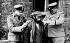 Guerre 1939-1945. Inspection dans le ghetto juif de Varsovie (Pologne), vers 1941. Photographe inconnu. © Bilderwelt/Roger-Viollet