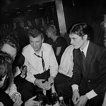 Johnny Hallyday (1943-2017), French singer and actor, and Alain Delon (born in 1935), French actor. © Noa / Roger-Viollet