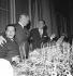 40ème anniversaire de la chanson. Serge Lifar (1905-1986), Maurice Chevalier (1888-1972), Tino Rossi (1907-1983). Paris, novembre 1963. © Claude Poirier / Roger-Viollet