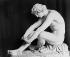 Perraud. Le désespoir. Louvre. © Léopold Mercier / Roger-Viollet