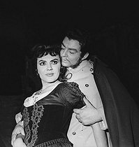 """Carmen"" by Georges Bizet. Staging by Raymond Rouleau. Costumes by Lila De Nobili. Jane Rhodes and Albert Lance. Opéra de Paris, November 1959. © Studio Lipnitzki / Roger-Viollet"