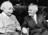 Albert Einstein (1879-1955), physicien américain d'origine allemande, et David Ben Gourion (1886-1973), homme politique israélien. Université de Princeton (New Jersey, Etats-Unis), 1951. © Ullstein Bild / Roger-Viollet