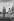 Le général de Gaulle et le Négus Hailé Sélassié pendant l'exécution des hymnes nationaux à l'aéroport d'Addis-Abeba, août 1966. © Roger-Viollet