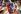 Femmes pakistanaises lors du mariage de Benazir Bhutto (1953-2007), femme politique. Karachi. décembre 1987. © Françoise Demulder / Roger-Viollet