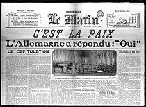 "The Treaty of Versailles. Front page of ""Le Matin"" on June 24, 1919. Germany surrenders and signs the Treaty. © Roger-Viollet"