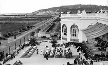 Terraces of the casino. Deauville (Calvados). © Neurdein / Roger-Viollet