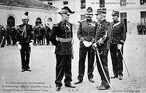 Rehabilitation of Dreyfus. General Gillain presenting the Legion of Honour to Captain Dreyfus (1859-1935), in the courtyard of the Military Academy. Paris (VIIth arrondissement), on July 21, 1906. © Roger-Viollet