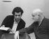 """Placido Domingo et John Schlesinger lors de répétitions pour """"Les Contes d'Hoffmann"""", opéra de Jacques Offenbach. Londres (Angleterre), Royal Opera House, 1980.  © Clive Barda / TopFoto / Roger-Viollet"""