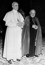 Pius XII (1876-1958), pope, receiving in private audience the cardinal Angelo Giuseppe Roncalli (1881-1963), future pope Jean XXIII. © Roger-Viollet